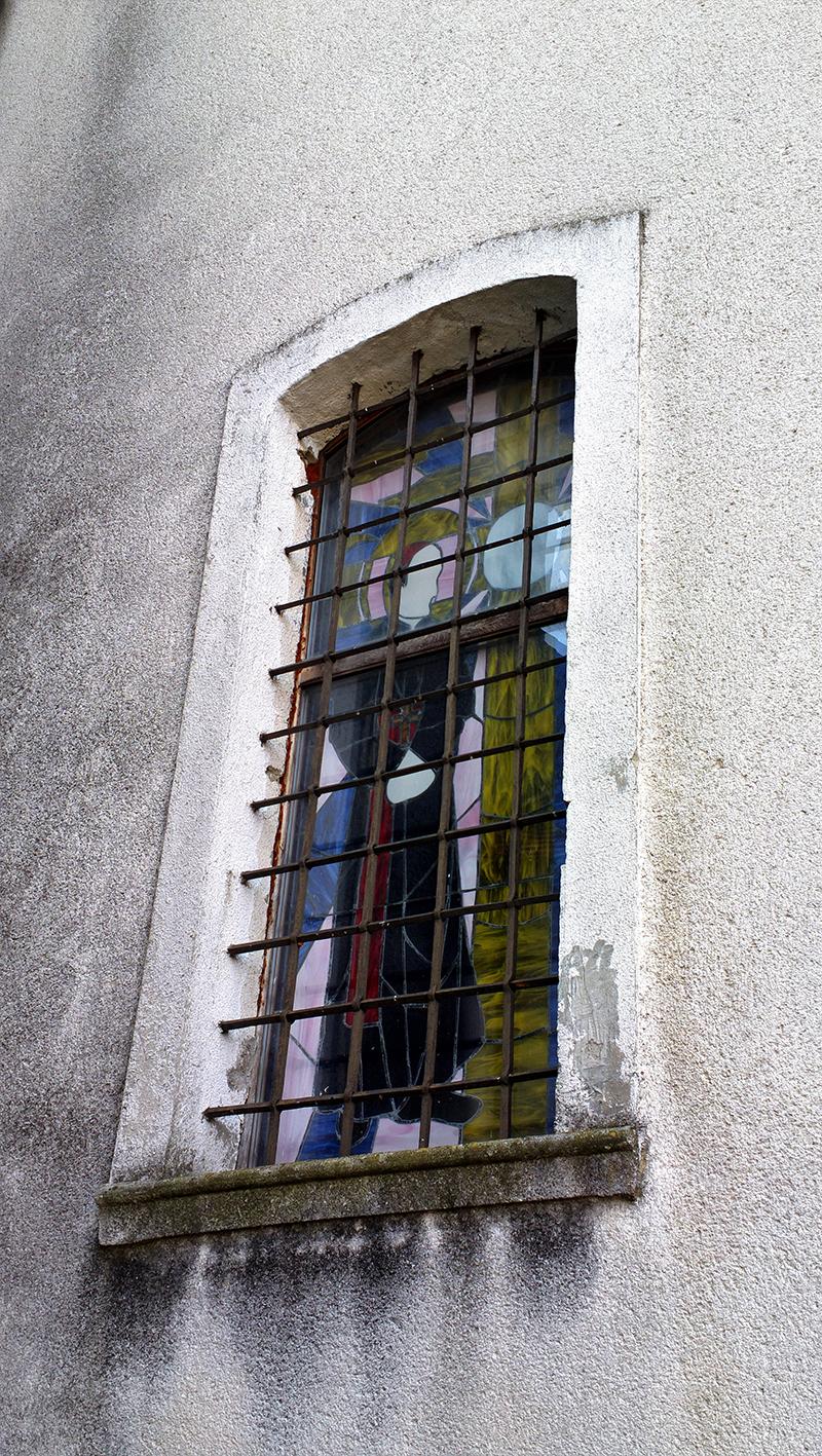 Kardinal Stepinac vitraj; fotografirao Slaven Bandur