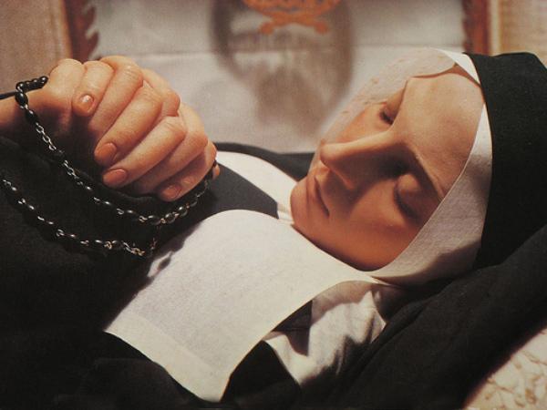Sveta Agneza iz Montepulciana svetica dana - tijelo