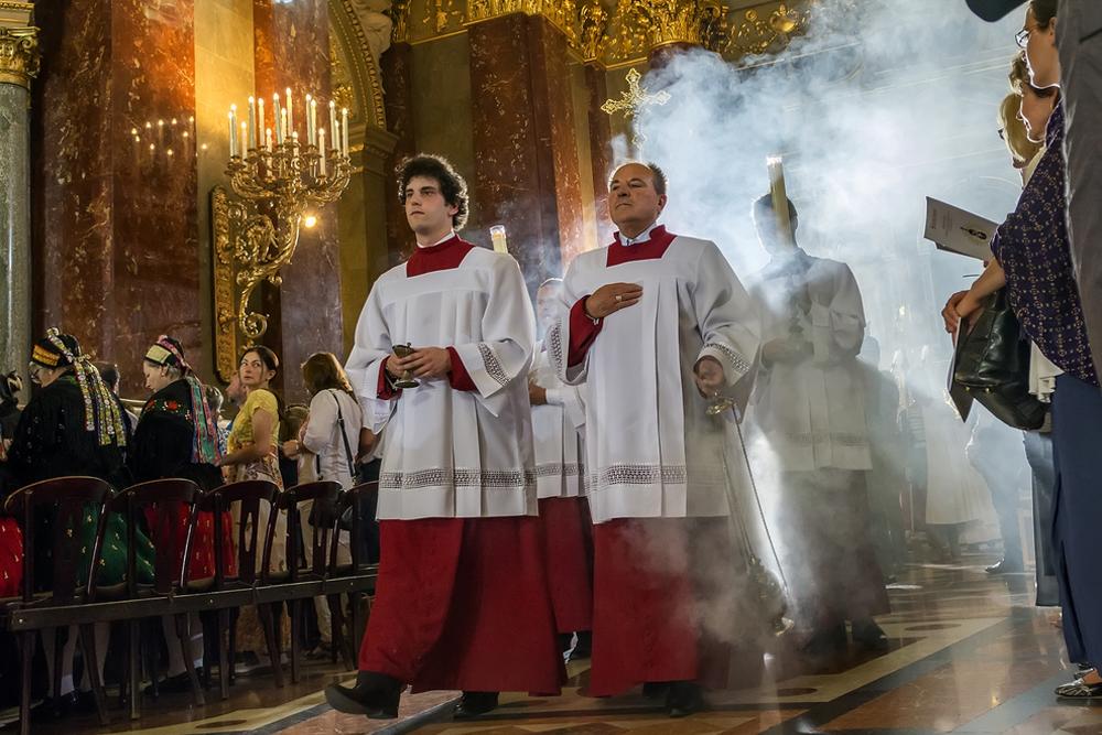 Zašto Crkva koristi tamjan