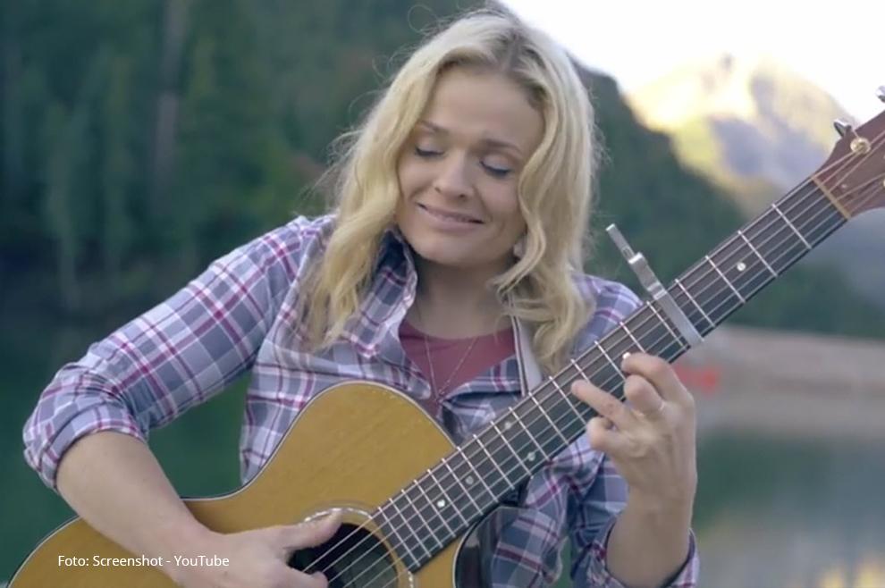 Preporučamo: opustite se uz ovu izvanrednu gitarističku izvedbu poznate kršćanske himne
