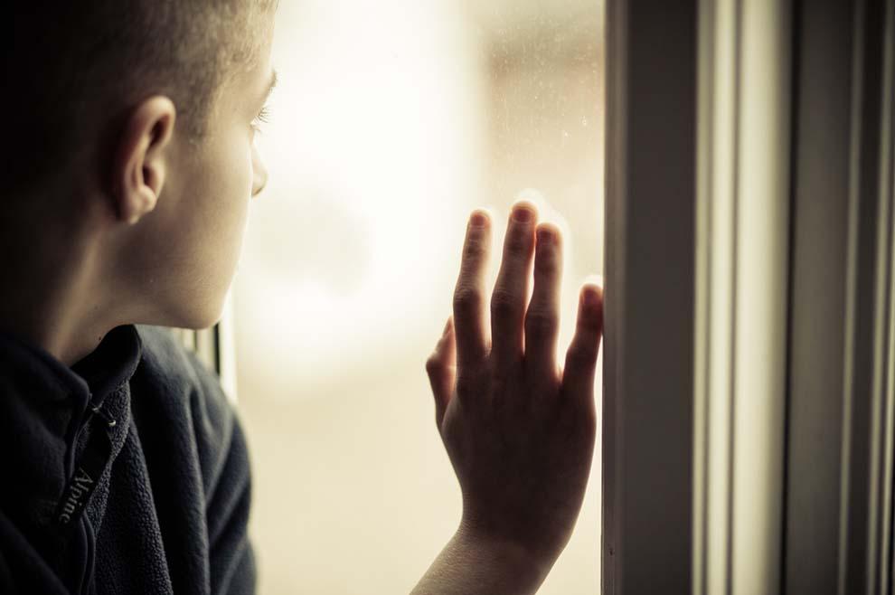 Molitva djeteta u sirotištu