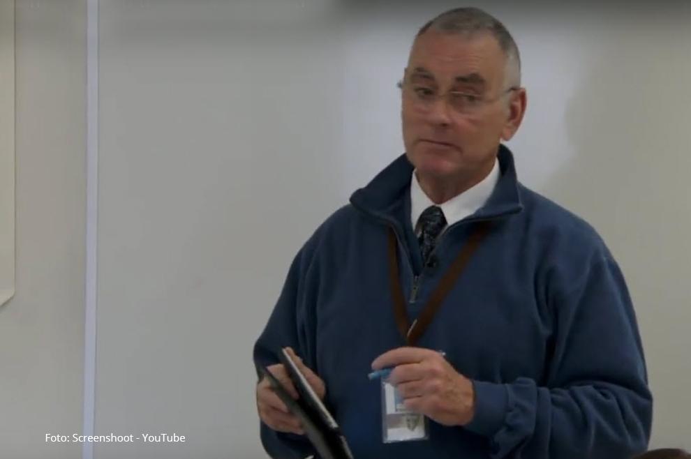 [VIDEO]: Učenici su pred sobom vidjeli strogog nastavnika, bivšeg vojnika, neženju, no kada su doznali za njegov nadimak, iznenadili su se! book evangelizacija