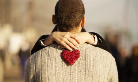 'Emocionalni preljub': Kako prepoznati da je prijateljstvo s osobom suprotnog spola otišlo predaleko?
