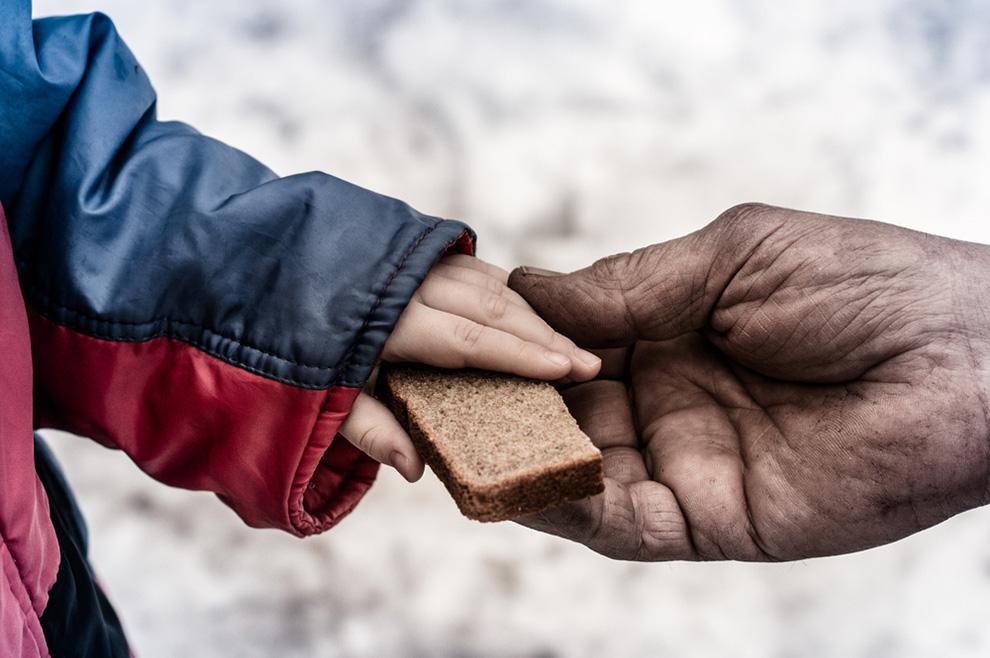 Nedostaje li nam suptilnosti u davanju potrebitima?