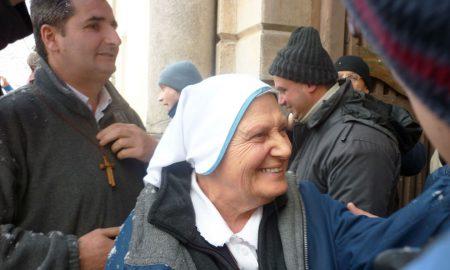 """Majka Elvira: Mlade misionare često s čuđenjem pitaju: """"Što radite ovdje? Koliko vam plaćaju?"""" – odgovor ih uvijek iznenadi…"""