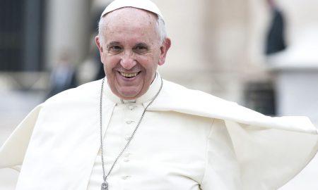 Papa Franjo: Oslobodimo Božić od svjetovnosti koja ga je uzela kao taoca