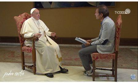 Papa Franjo u televizijskoj emisiji: Ne trebamo razgovarati sa Sotonom, pametniji je od nas