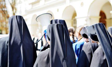 Kandidatica, postulantica, novakinja, opatica i časna sestra – znate li razliku?