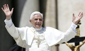 Bivši tajnik Benedikta XVI.: 'Odluku o umirovljenju donio je zato da se može pripremiti za konačni susret s Gospodinom'