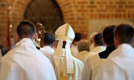 Bismo li trebali sve svećenike smatrati krivima zbog zlostavljanja koja su se dogodila u Crkvi