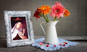 Blažena Ivana Marija de Maillé – u ranoj je mladosti osjetila snažni nutarnji poticaj za čašćenje Kristove muke