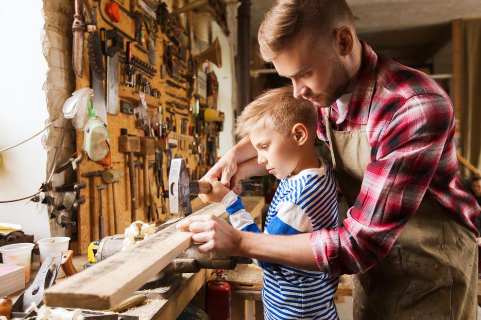 Dva muškarčeva svijeta: kako ispravno postaviti prioritete između posla i obitelji?
