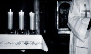 """Otvoreno pismo svećenika """"Upao sam u krizu identiteta. Može li mi itko pomoći Što mi je činiti"""""""