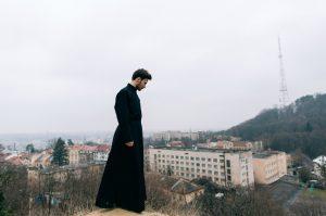 Prije nego što sam otišao u sjemenište i postao svećenikom, bio sam zaljubljen u Valentinu…