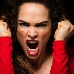 Strah od bliskosti, ispadi ljutnje, prisila na kupovanje, poremećaji jedenja, samozadovoljavanje… Uzrok se skriva u ovome