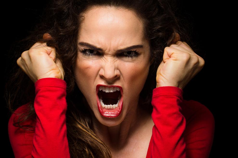 Strah od bliskosti, ispadi ljutnje, prisila na kupovanje, poremećaji jedenja, samozadovoljavanje... Uzrok se skriva u ovome