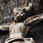'Jedne noći nakon tuluma dopuzao sam do raspela ponad moje postelje, i zavapio Bogu...'