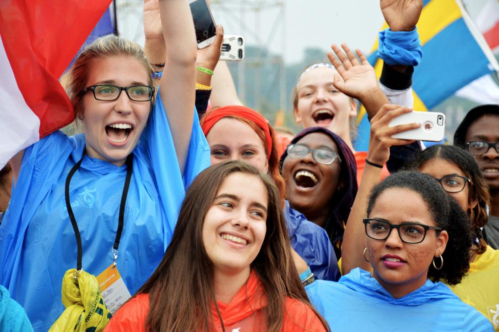 Papa Franjo Mladi ljudi koji se zadovoljavaju osrednjošću, nikada neće postići uspjeh