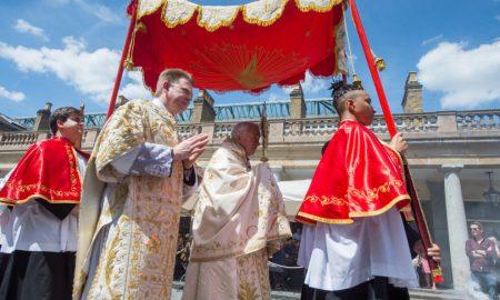 Pogledajte kako su izgledale Tijelovske procesije diljem svijeta