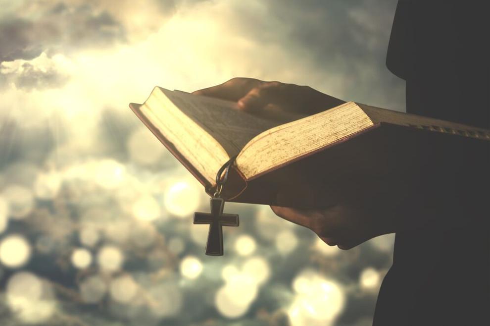 On donosi pomazanje u naše živote, ali mi moramo održavati život vjere u njegova obećanja