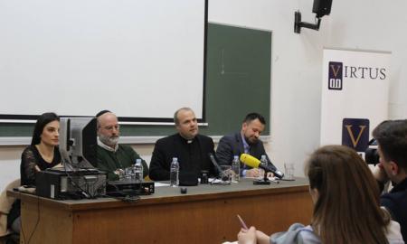 """[VIDEO]: Predavanje na Filozofskom fakultetu u Zagrebu ometali prosvjednici: """"Ovo je znanstveni fakultet, ovdje nema mjesta religiji!"""""""