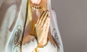 VIDEO Kapelan u Fatimi pokrenuo vrijednu inicijativu – molitvu krunice za mir u svijetu