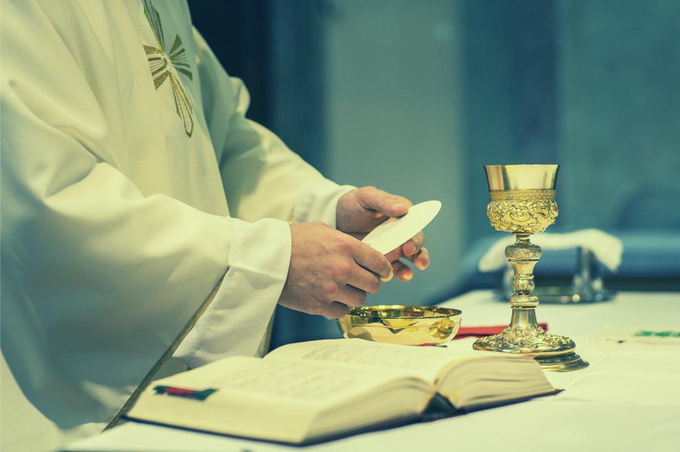 U hostiji je ugledao Isusa na križu, spuštene glave, gotovo na izdisaju