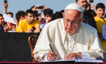 Papin blagoslov od sada možete zatražiti i putem Interneta