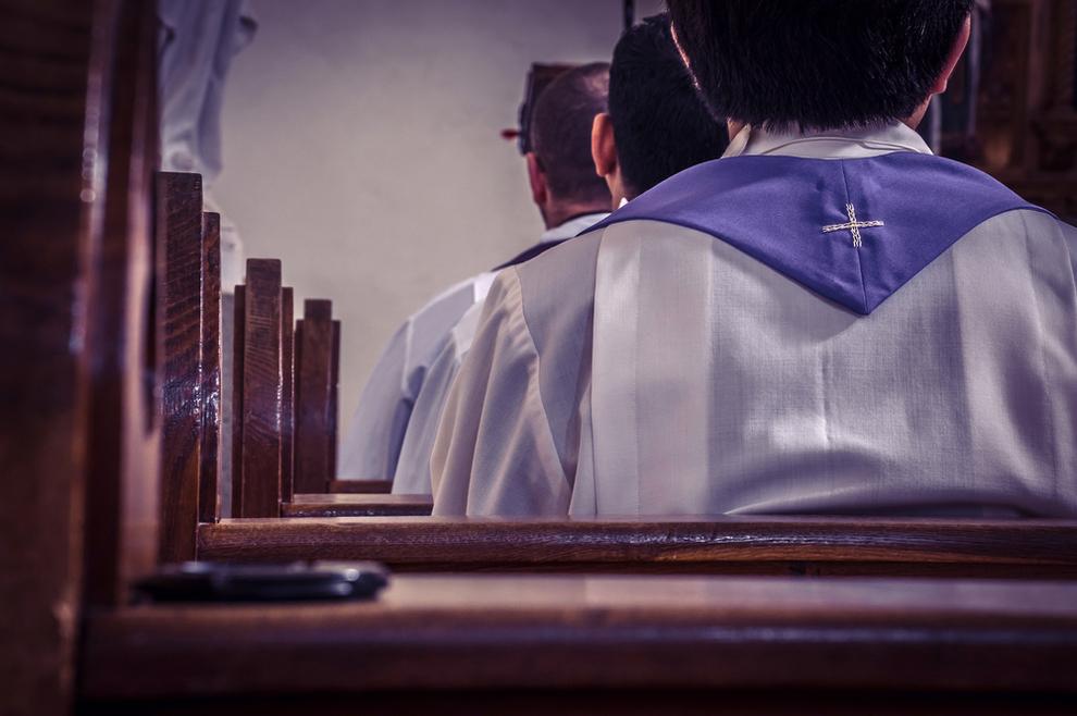 'Smiju li se homoseksualne osobe odazvati duhovnom pozivu?'