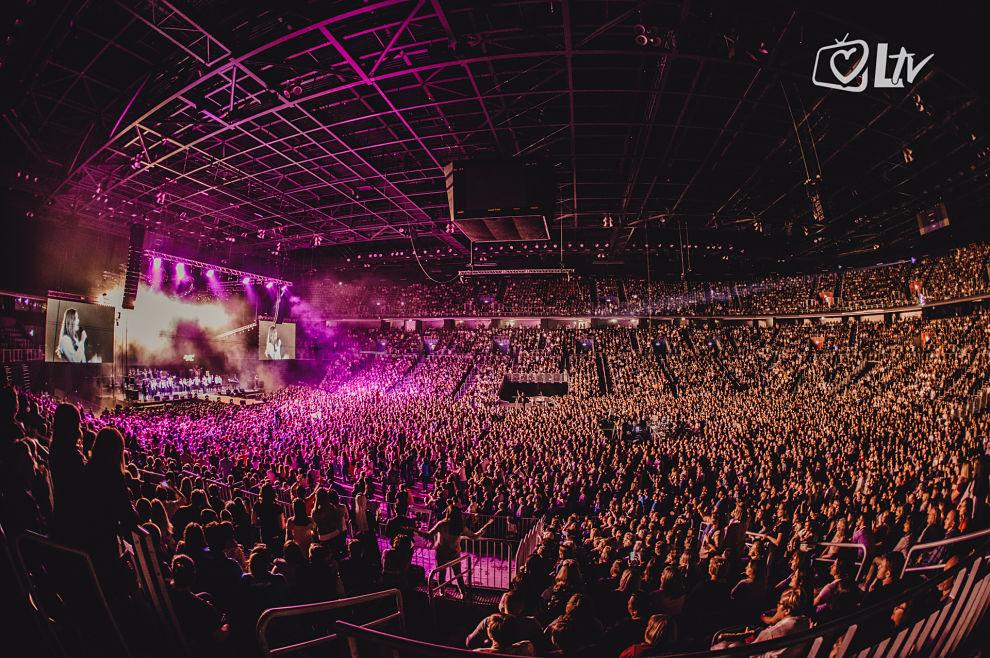 Zadivljujući prizor: 18 tisuća ljudi sinoć je pjesmo slavilo Gospodina u zagrebačkoj Areni