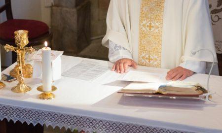 Na prvoj svetoj misi u Šri Lanki nakon terorističkoga napada zaređen svećenik