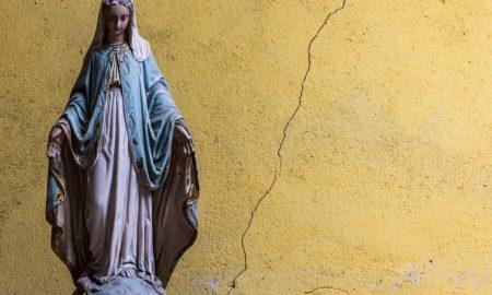 Četvero vjernika ubijeno na marijanskoj procesiji