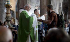 'Zar stvarno netko može i fizički ozdraviti na misi?' S tim sam pitanjem otišao na misu, a Isus mi je tada odgovorio na njega…