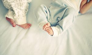 Majci razdvojenih sijamskih blizanki savjetovano da učini pobačaj, a zato što se je odlučila za život - svjedočili smo medicinskom čudu