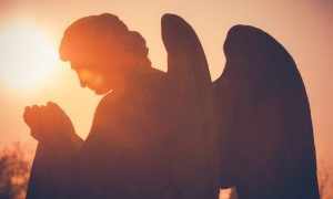 Dok sam odrastala, sjećam se da sam vidjela svoje anđele uz sebe