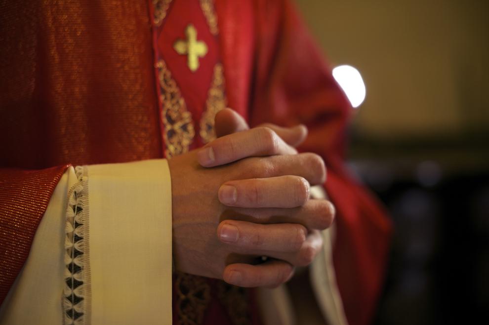 Svećenik teško ozlijeđen u provali u župnu kuću