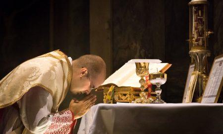 Sjećam se svećenika koji je nas djecu toliko zapalio za Svetu Misu da smo je gotovo cijelu znali izgovoriti napamet!
