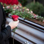 Svećenik o sprovodnim običajima: U što nam se sprovodi pretvaraju?