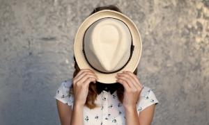 Pretjerano si sramežljiv, do te mjere da se zatvaraš za nova prijateljstva i iskustva? Evo nekoliko savjeta koji ti mogu pomoći