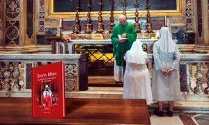 """DARIVANJE Redovnicama poklanjamo knjigu """"Sveta Misa. Najsvetiji događaj na svijetu"""". Evo kako do knjige!"""