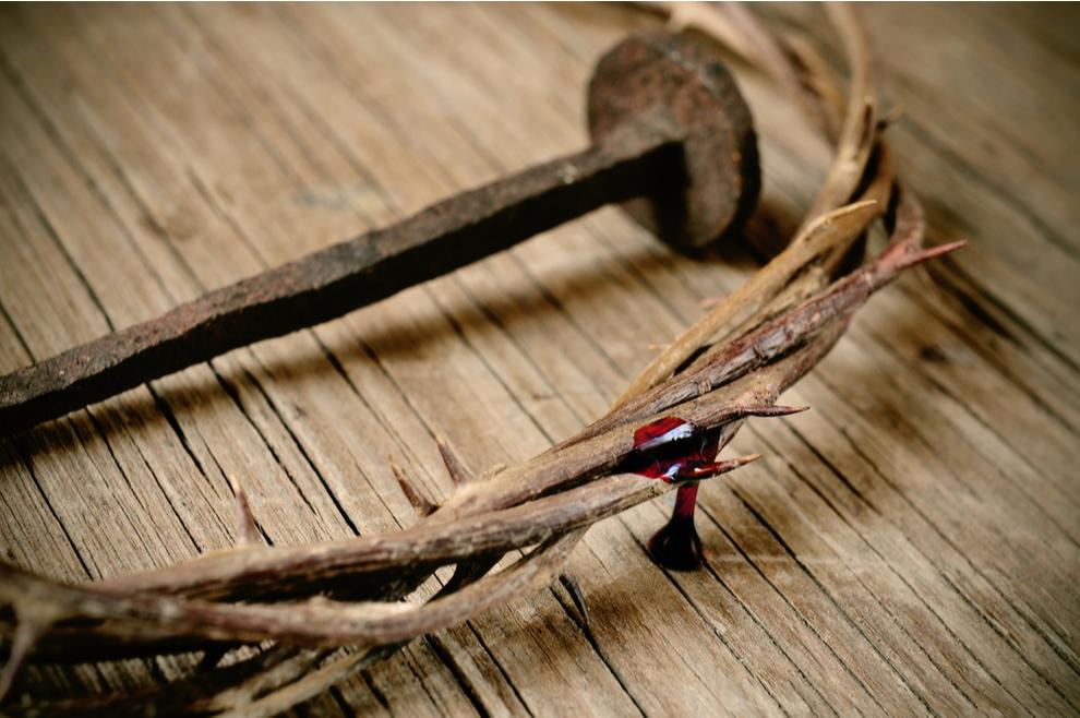 Tri čavla kojima danas probadamo Krista na križu
