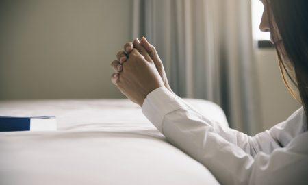U TVOJOJ PRISTUNOSTI Kako čuti Boga kada nas pritisnu teškoće, križevi i užurbana svakodnevica