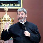 Čudesno svjedočanstvo čovjeka koji je umro i otišao u Pakao. Danas je svećenik, a ovo mu se dogodilo u Međugorju...