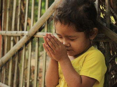 praying-5102774_1280
