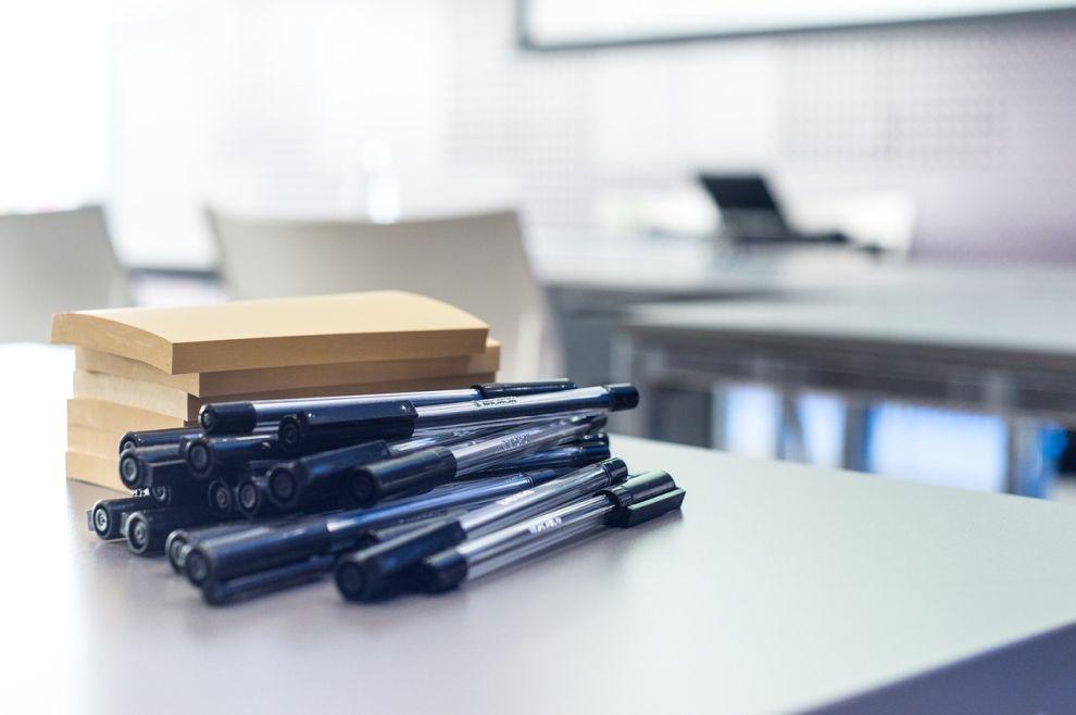 olovke, ured