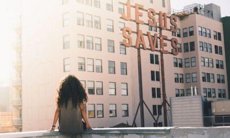 Po ovome nam je Isus dao primjer i izmolio milost hrabra podnošenja svih kušnja i trenutačnih nevolja