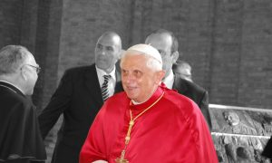 U trenutku odreknuća Ratzinger čini najvažniju gestu njegova pontifikata