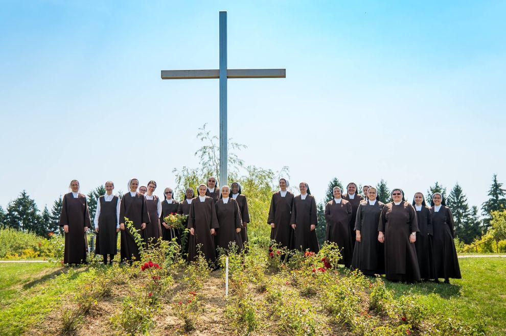 ZA DJEVOJKE Prijavi se na duhovno-rekreativni kamp u samostan karmelićanki BSI