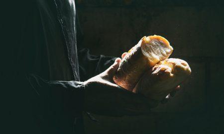 Redovnice koje su nosile kruh sotonistima