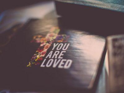 Bog te ljubi